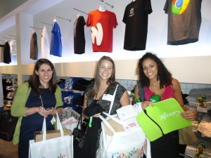 Picking up a few Google souveniers from the on-site Google Store.